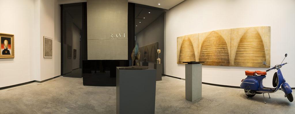 <span>Ravi Gallery </span>